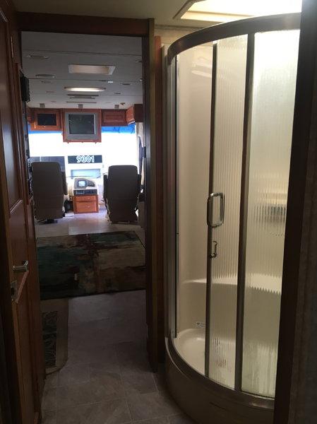 Monaco Cayman XL coach   for Sale $45,000