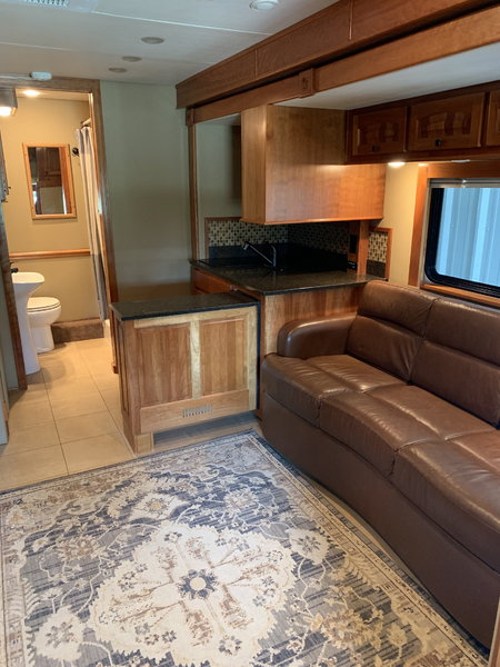 2011 CHARIOT TOTERHOME  for Sale $165,500