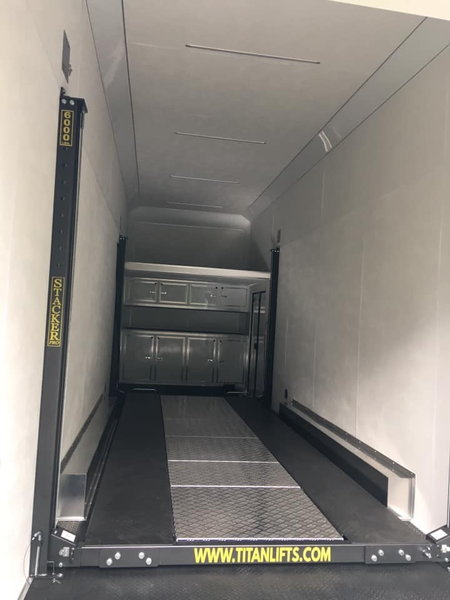 2020 30' Cargo Mate Stacker