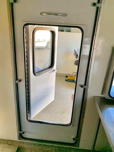 2005 Freightliner M2  for Sale $59,500