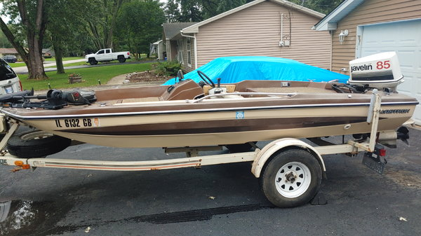 15 foot bass boat  for Sale $2,500