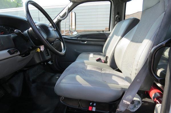2004 Ford F-650 XLT Crew Cab 22 ft. Box Van Toter Truck