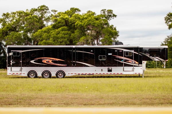2018 Sundowner 46 Toy Hauler  for Sale $81,900