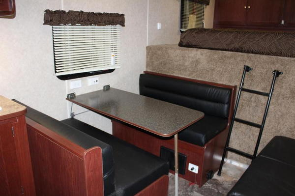 *REDUCED $44,999* 40' Living Quarter w/12'XE +8' GN