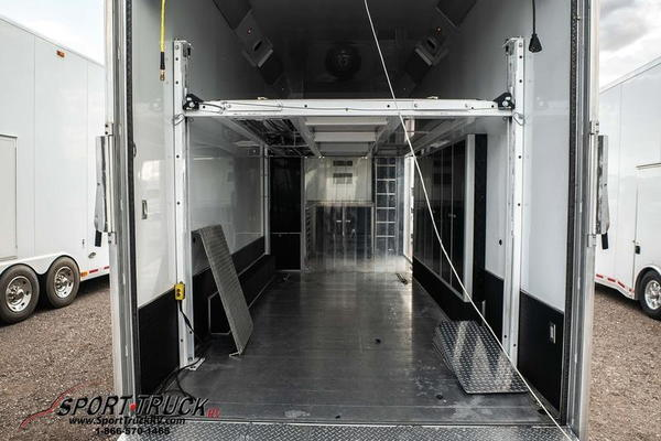 2016 Fusion Custom Trailers 8526ALT