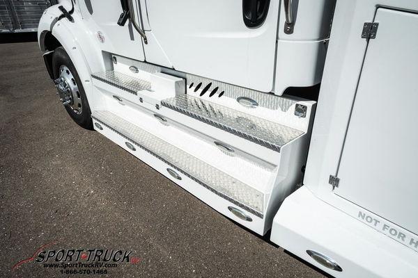 2017 Freightliner SportTruck Sedona Edition