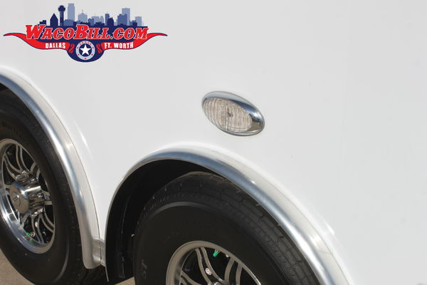 32' UNITED SUPER HAULER Race Trailer @ Wacobill.com