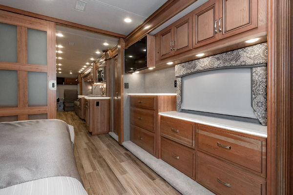 2017 Entegra Coach Insignia 44B Full Factory warranty