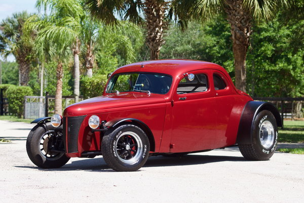 1940 Ford Coupe Deluxe Coupe Deluxe 502 Street-Rod / 6-SPD