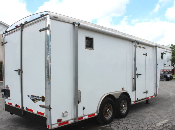 Pre-Owned 2011 26' GN Workshop Trailer