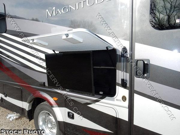 2019 Thor Motor Coach Magnitude™