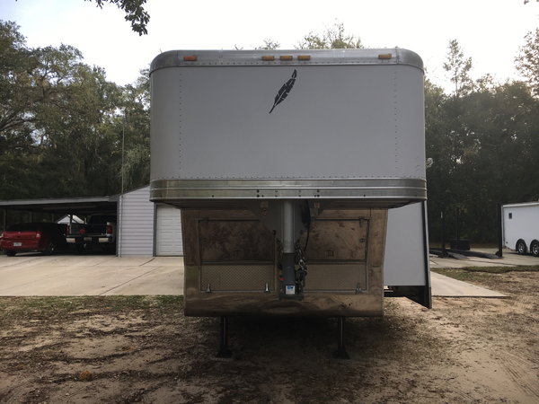 Featherlite 32' Toy Hauler- IMMACULATE  for Sale $29,900