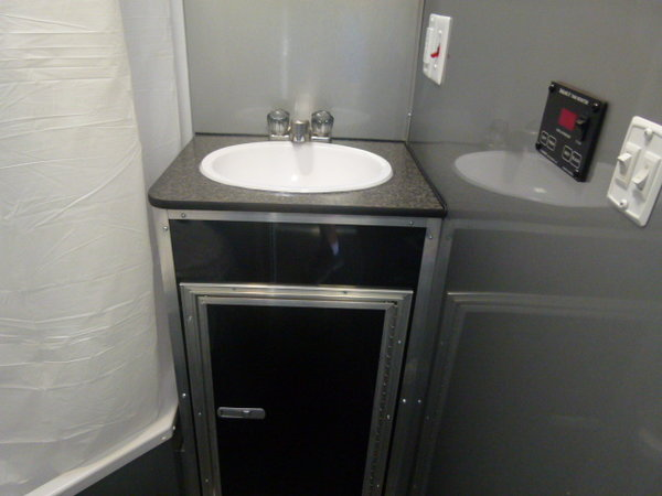 2019 34' VINTAGE PROSTOCK BATHROOM TRAILER