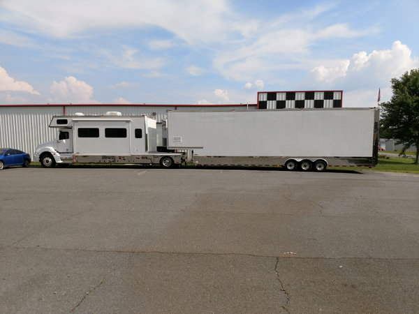 TOTERHOME-TRAILER W / LIFTGATE  for Sale $145,000