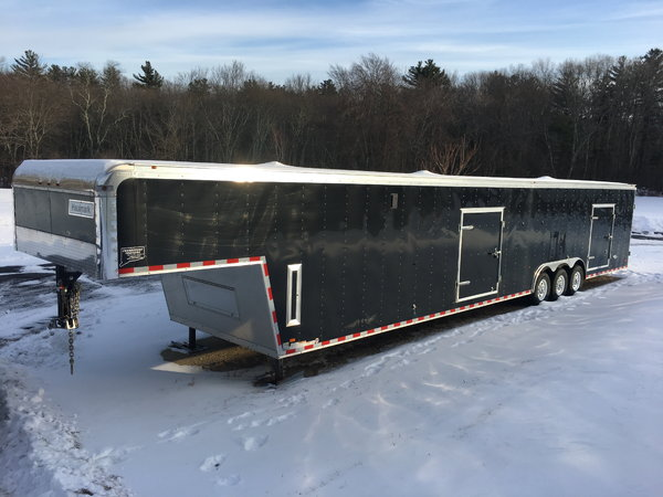 2016 48ft Haulmark Racecar Trailer w/Hyrdaulic Jack  for Sale $23,500
