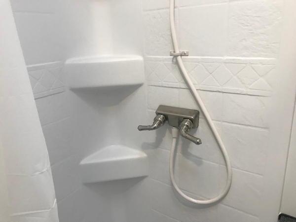 2019 Vintage 34' Pro Stock Bathroom