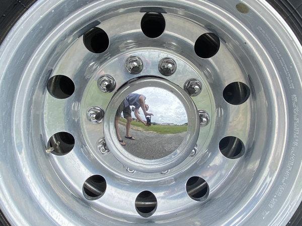 2011 Freightliner Cascadia 125 Semi Truck  for Sale $39,999