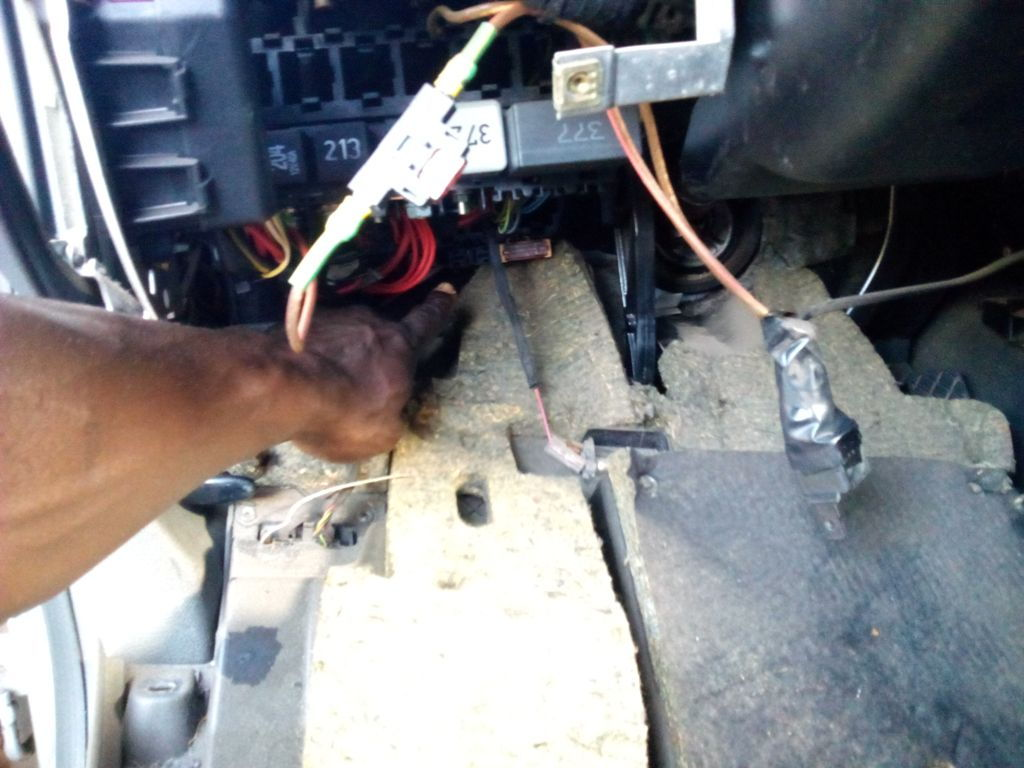 Location Of Fuses For Cooling Fans Audiworld Forums Audi Q5 Fuse Box Here Is Its Slot The One On Left Removed