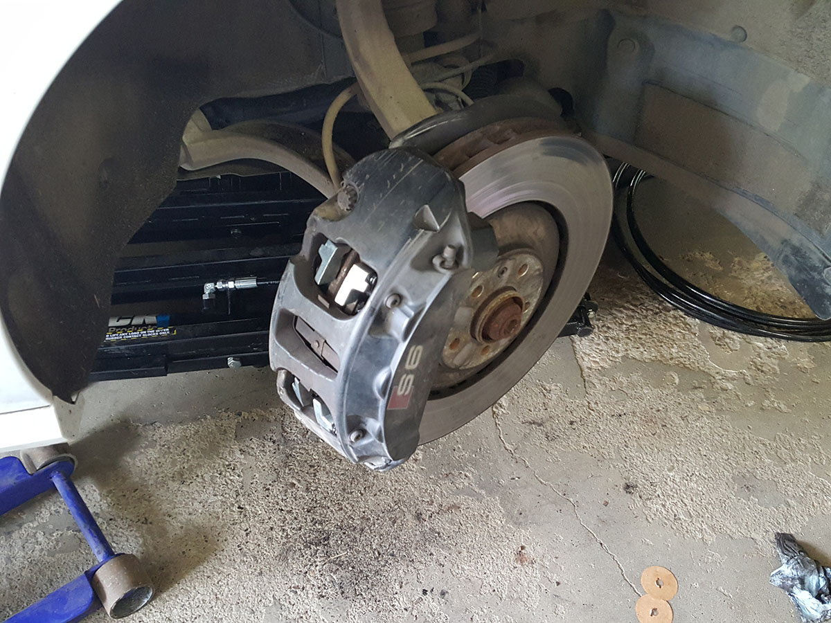 How To Installing Brake Pads On An S6 7 Audiworld Forums
