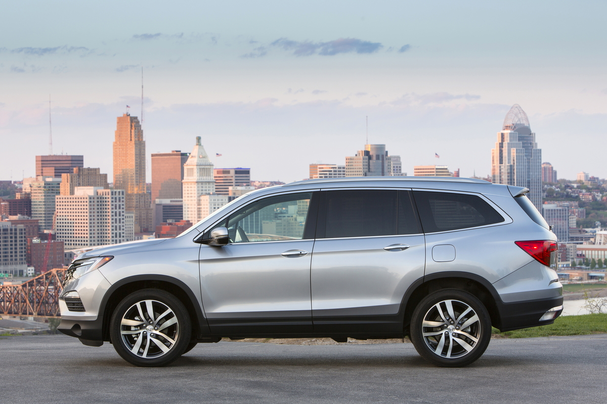 2017 Honda Pilot Review - CarsDirect