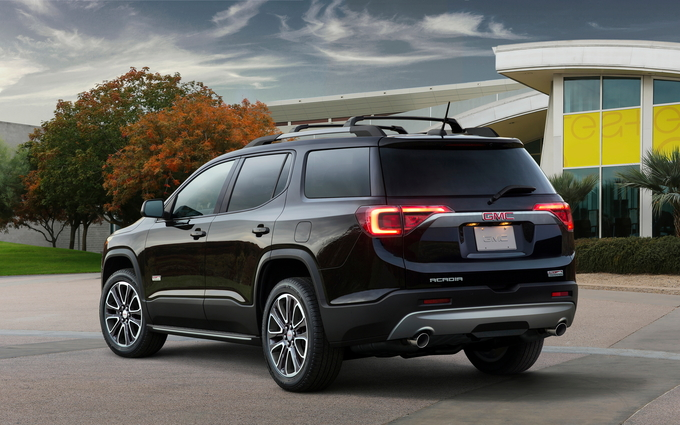 2018 gmc acadia limited.  gmc battling in a competitive segment the 2018 gmc acadia must perform  delicate balancing act offering consumers good value and feature set throughout gmc acadia limited s