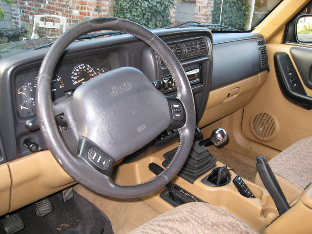 97 01 XJ Interior Colors. Two Different  Good Ideas