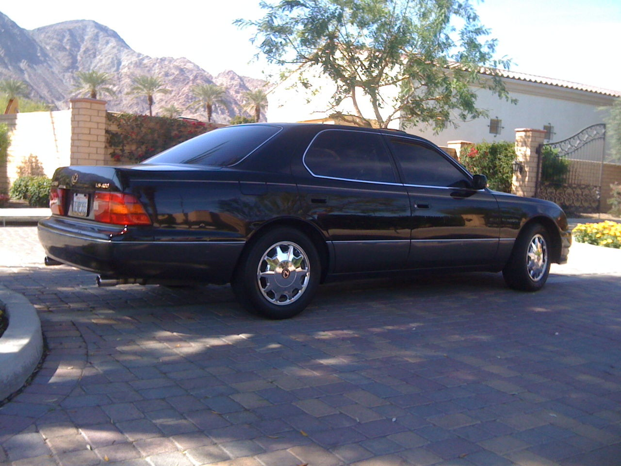 ca selling my black 95 39 ls400 181818 miles beautiful car. Black Bedroom Furniture Sets. Home Design Ideas