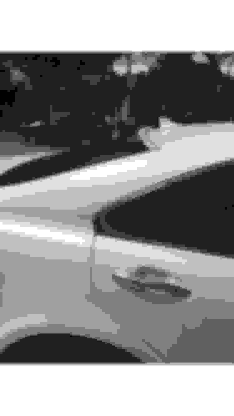 Ben Afflecks Former Nanny Gets Hot New Lexus Drop-top