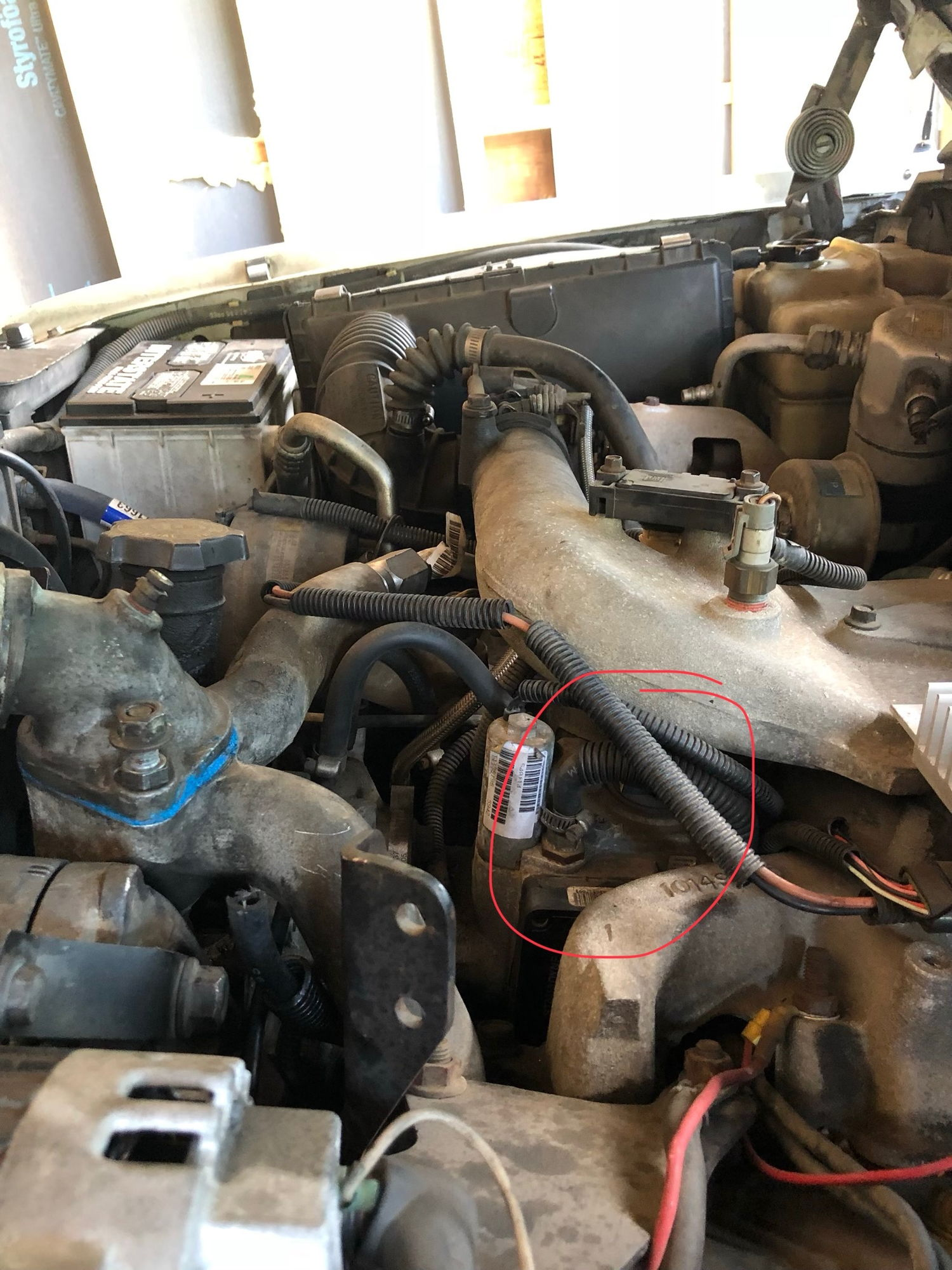 How To Bleed 65l Fuel System Diesel Bombers 94 Chevy Truck Filter The Is Running I Need Replace Hose With Line Cause Its Dry Rotted Second Picture Circled What Think Same But Not