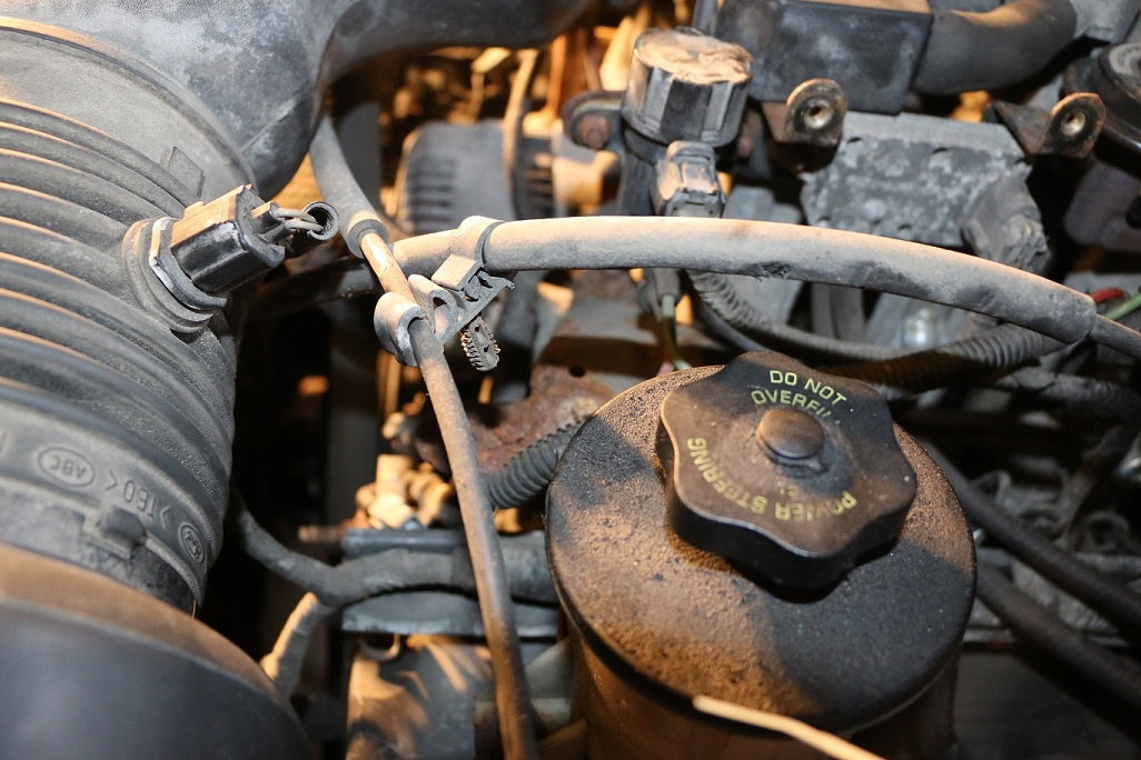2000 4 6L F150 Throttle/Accelerator Cable Replacement - Ford