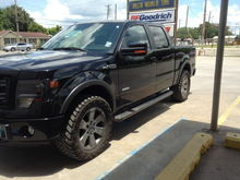 305/55/20 Trail Grapplers w/ no leveling kit