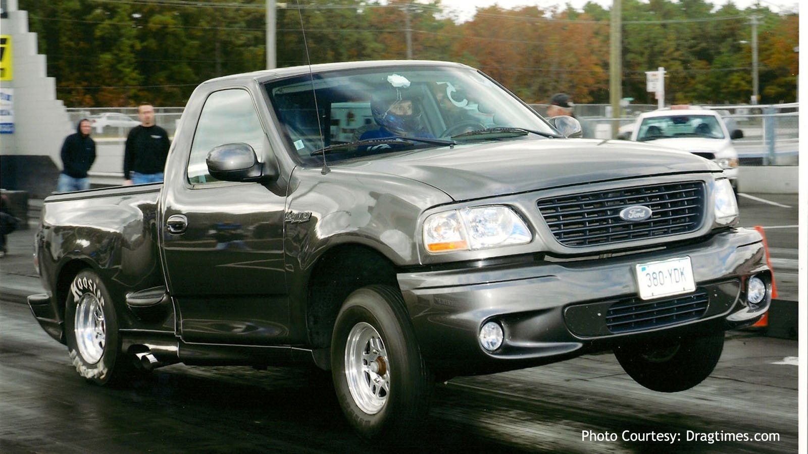 5 facts about the 1999 2004 svt lightning ford truck enthusiasts