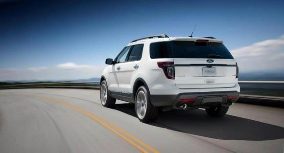 2013 Ford Explorer (10)