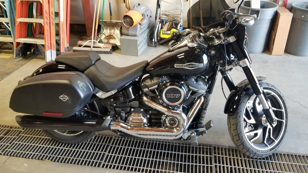 Anyone With A 2018 Sport Glide Using The Bikescreen Gustafsson Windshield Harley Davidson Forums