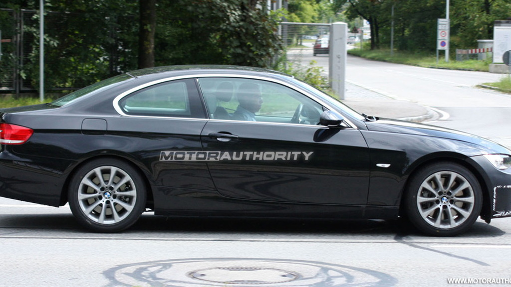 2010 BMW 3-Series Coupe facelift spy shots