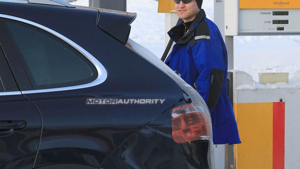 2011 Porsche Cayenne Diesel spy shots