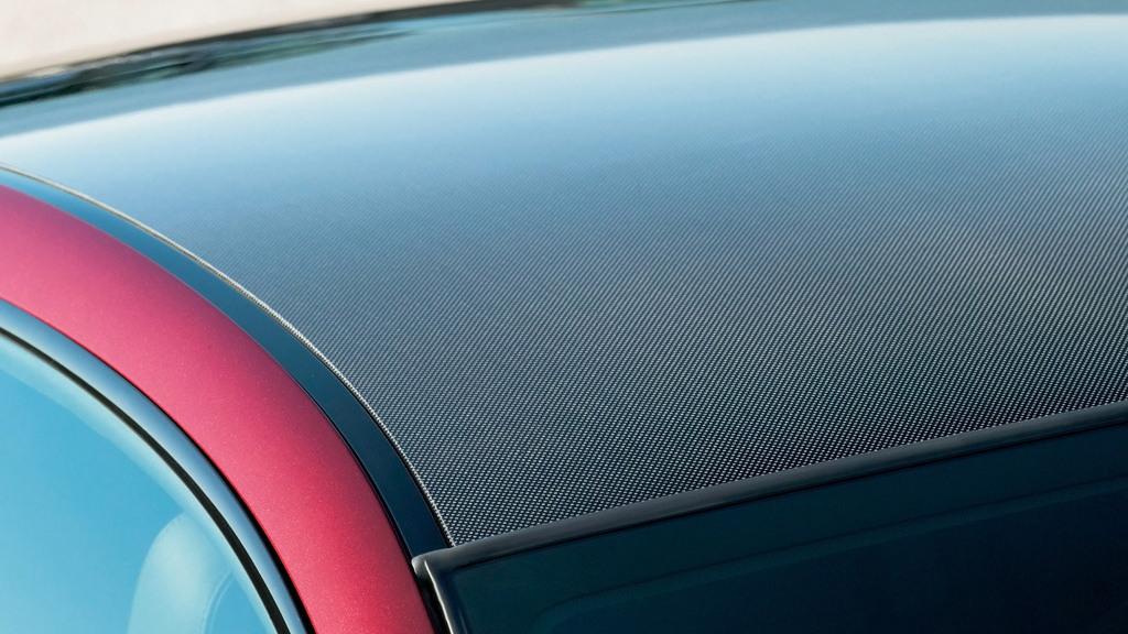 BMW M6 carbon-fiber roof