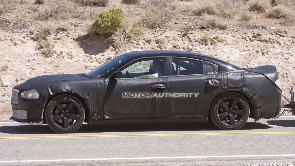 2011 Dodge Charger SRT8 spy shots