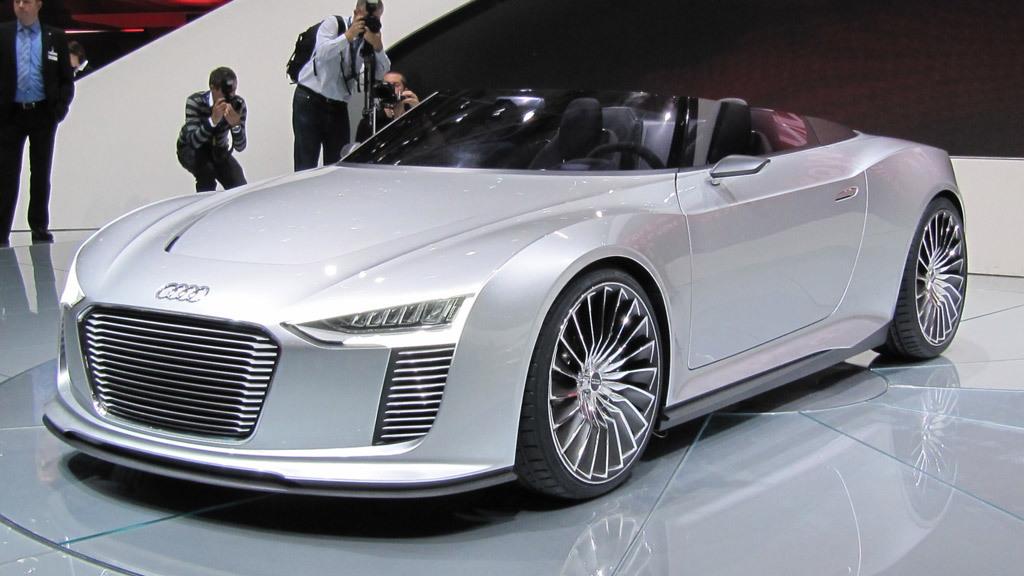 2010 Audi e-tron Spyder Concept live photos