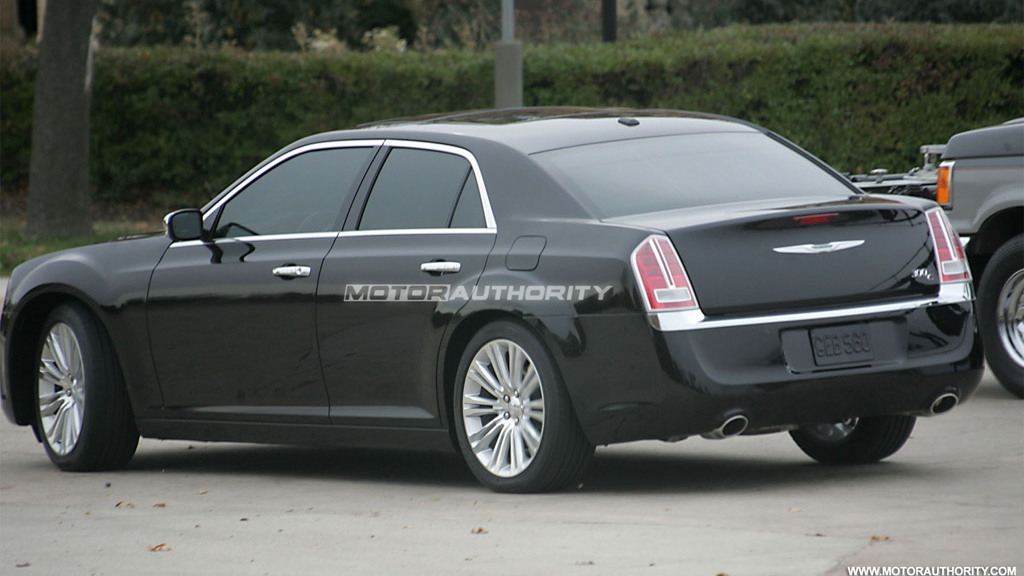 2012 Chrysler 300C spy shots