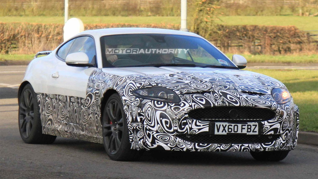 2013 Jaguar XKR spy shots