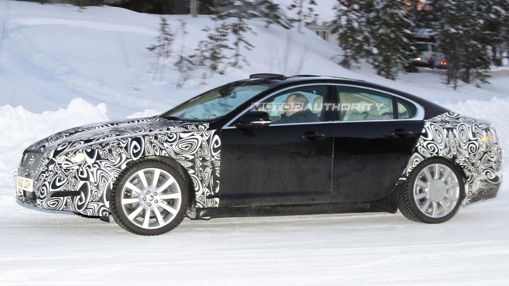 2012 Jaguar XF facelift spy shots
