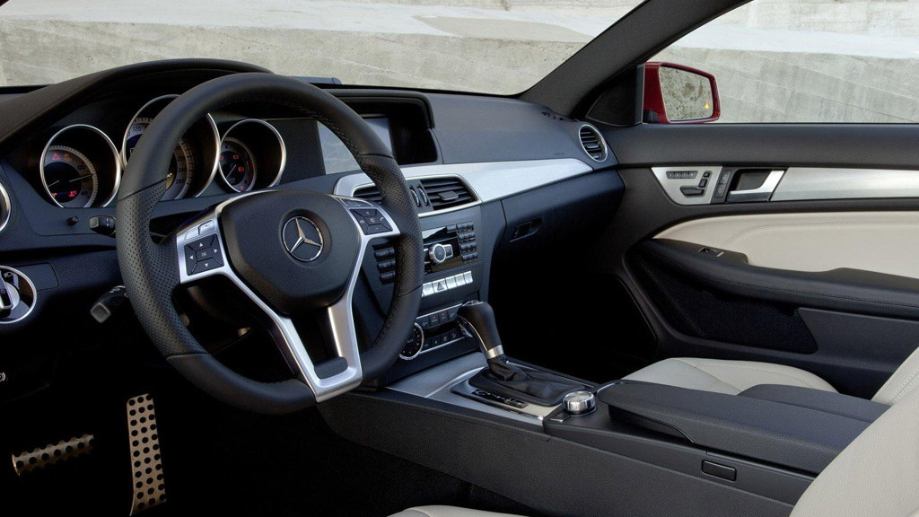 2012 Mercedes-Benz C-Class Coupe leak