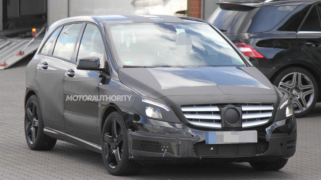 2013 Mercedes-Benz B-Class AMG spy shots
