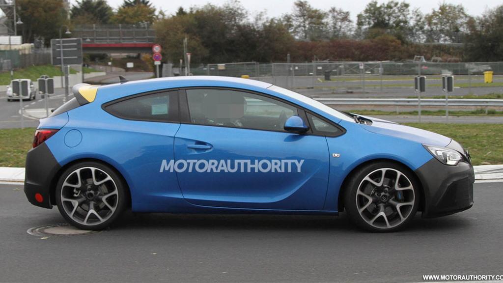 Opel Astra OPC spy shots