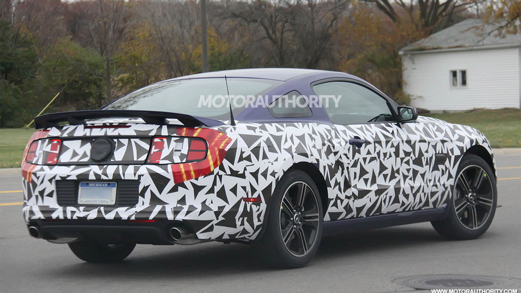 2013 Ford Mustang facelift spy shots