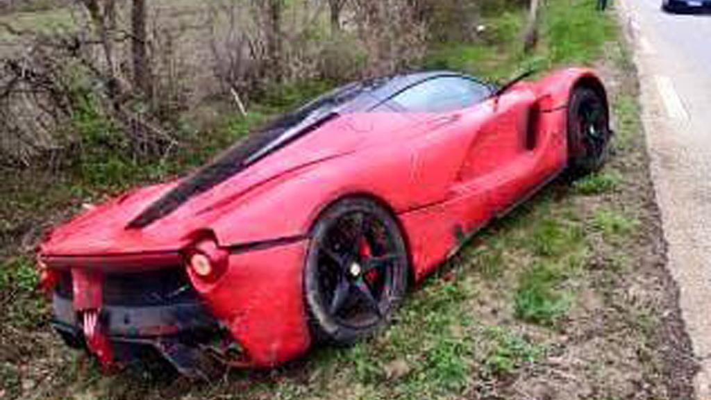 Ferrari LaFerrari in a roadside ditch - Image via FerrariChat