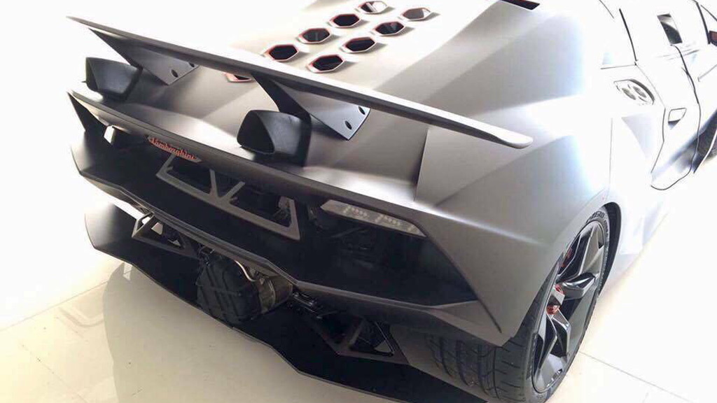 Lamborghini Sesto Elemento Shows Up On Craigslist