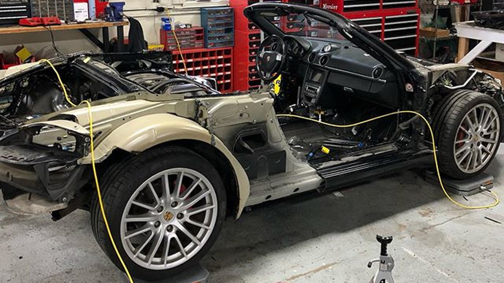 Genius Garage to turn a 2007 Porsche Boxster S into a W Motors Lykan Hypersport