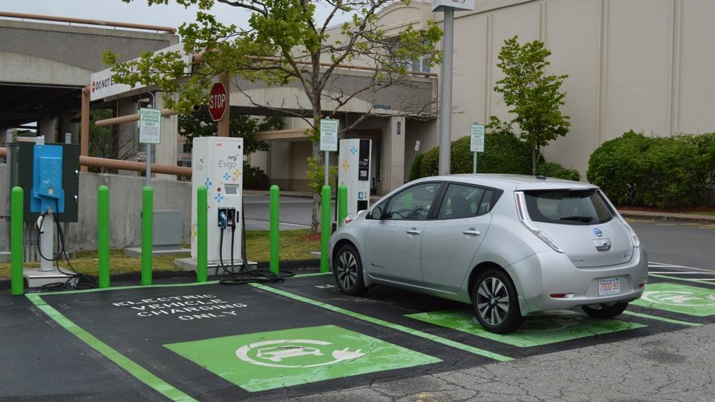Fast-charging 2015 Nissan Leaf at evGo station in Auburn, MA   [photo: John Briggs]